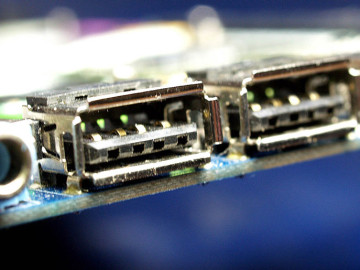 uszkodzone gniazdo USB